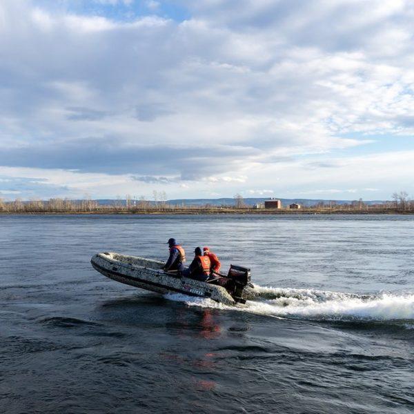 Надувная лодка Solar 520 Jet тоннель водометная
